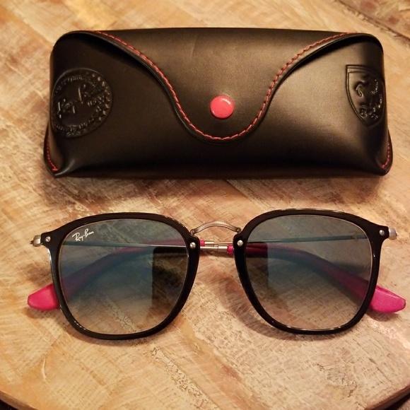 d9bfe5db19 Authentic Ray Ban Scuderia Ferrari Sunglasses. M 5ad5444d8df470369c356272